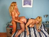 Dvě zralý lesbičky a jejich hračky - freevideo