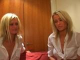 Dvoj�ata si hrajou s vibr�torem - freevideo