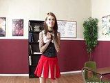 U�itel zprzn� mladou plochou studentku - freevideo