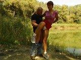 Němka si v lese zapíchá s přítelem a náhodným kolemjdoucím - freevideo