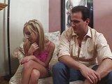 Vyšetření mandlí poslušné osmnáctky tvrdým šulinem - freevideo