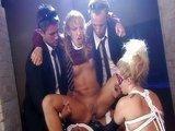 Nestydat� orgie s dv�ma perverzn�mi ko�i�kami - freevideo