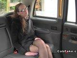 Akrobatické mrdání ve falešném taxi - freevideo