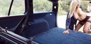 Taxikář si nechá platit sexem - freevideo