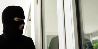 Cizinec si užije se dvěma brunetkami - freevideo