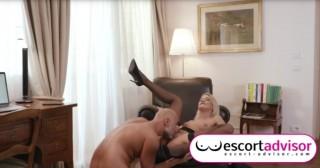 Plešoun si objedná kurvu z eskortu - freevideo