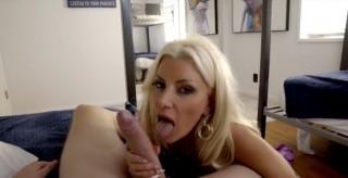Sexy mamča zaučuje synáčka - freevideo