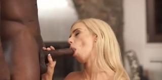 První mezinárodní zkušenosti zvědavé blondýnky - freevideo