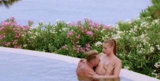 Relax v letní vile s mladou striptérkou - freevideo