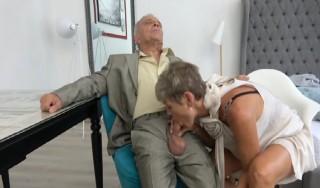 Rodinné porno s důchodci - freevideo