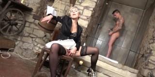 Stará paní se poddává smilstvu s kolouškem - freevideo