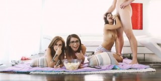 Tři sexy studentky a já - freevideo