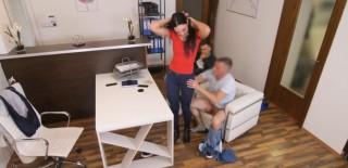 Přítel se zadlužil, přítelkyně ho z toho vyšoustá - freevideo