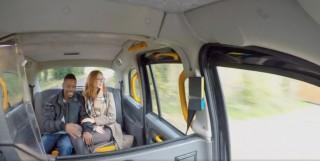 Šukačka v taxiku s mrduchtivou zrzkou - freevideo