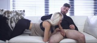 Blond Kanaďanka točí své první porno - freevideo