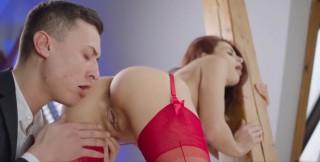Sexy zrzku po plese povozí na svém velkém ptákovi - freevideo