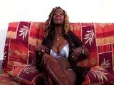 Černá vyfistovaná coura - freevideo
