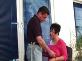 Padesátiletá sekretářka s nadváhou podrží šéfovi - freevideo