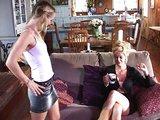 Plochá teenka a nadržení staří manželé - freevideo