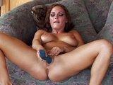 Její bloudivé prstíky skončí v pičce - freevideo