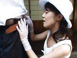 Nóbl panička z Japonska ukázkově kouří - freevideo