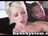Půvabná blondýnka důkladně naložená - freevideo