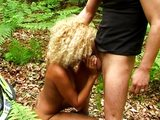 Blond čokoládka ojetá v stanu - freevideo