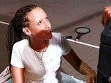Nezkušená osmnáctka se rychle učí divokému kouření - freevideo