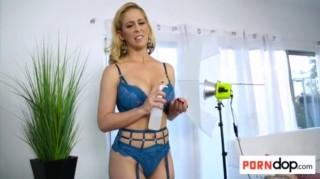 Perverzní synáček ojede mamku při focení - freevideo